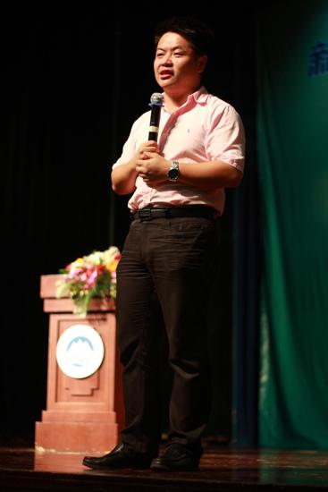 沈阳新东方校长庄重老师在东北大学演讲