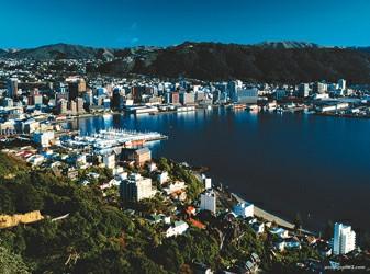 在新西兰的自然胜景中流连忘返.   惠灵顿:彼得.杰克逊的故乡