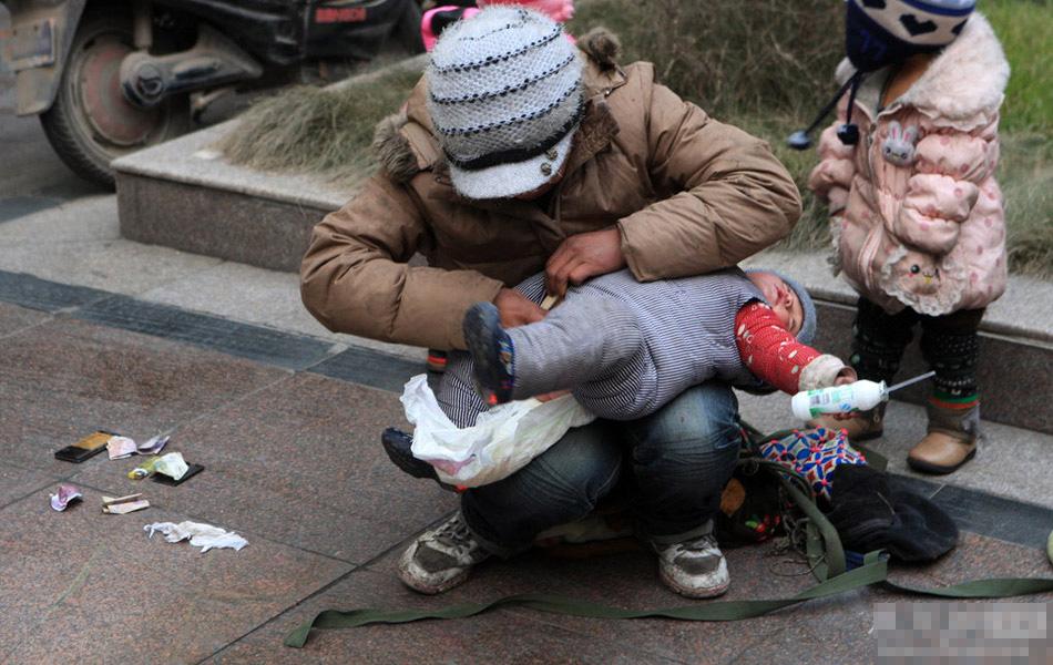 女子利用娃娃贩毒