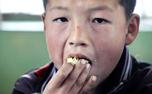甘肃平凉农村学生吃上营养早餐