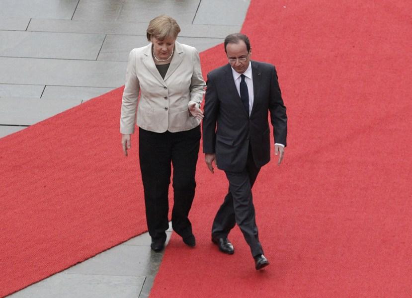 法国新总统初访德国走错红毯