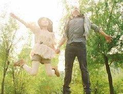 武汉毕婚族情侣 见证校园浪漫爱情