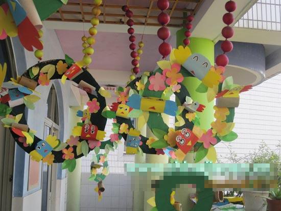 幼儿园走廊布置图片:吊饰