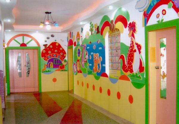 幼儿园走廊环境布置:欢乐幼儿园