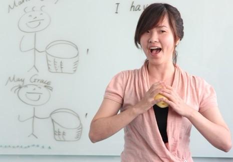 新东方泡泡少儿v泡泡教师与公立小学英语老师举美术要求小学老师图片