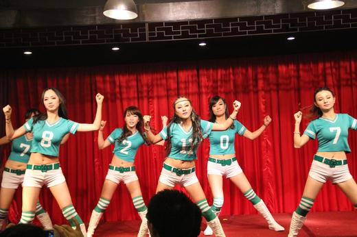 中学部老师们的激情舞蹈