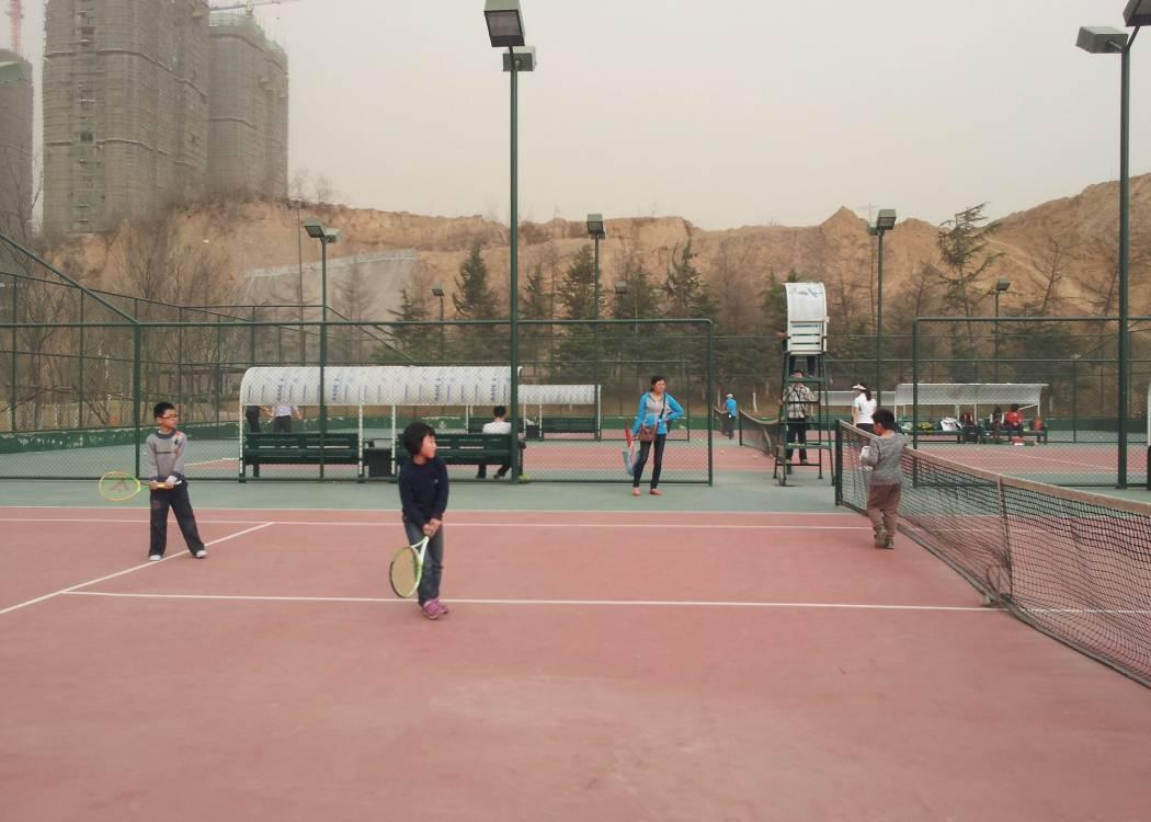 新东方郑州学校英语家庭周末亲子游园活动