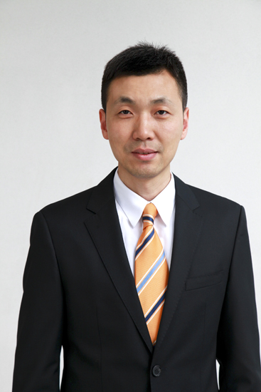 新东方教育科技集团财务管理部总监尹强