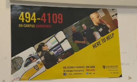 达尔豪西大学校园警卫海报