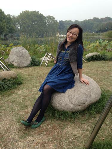 新东方余丽婷:为学生做百科全书和十万个为什么