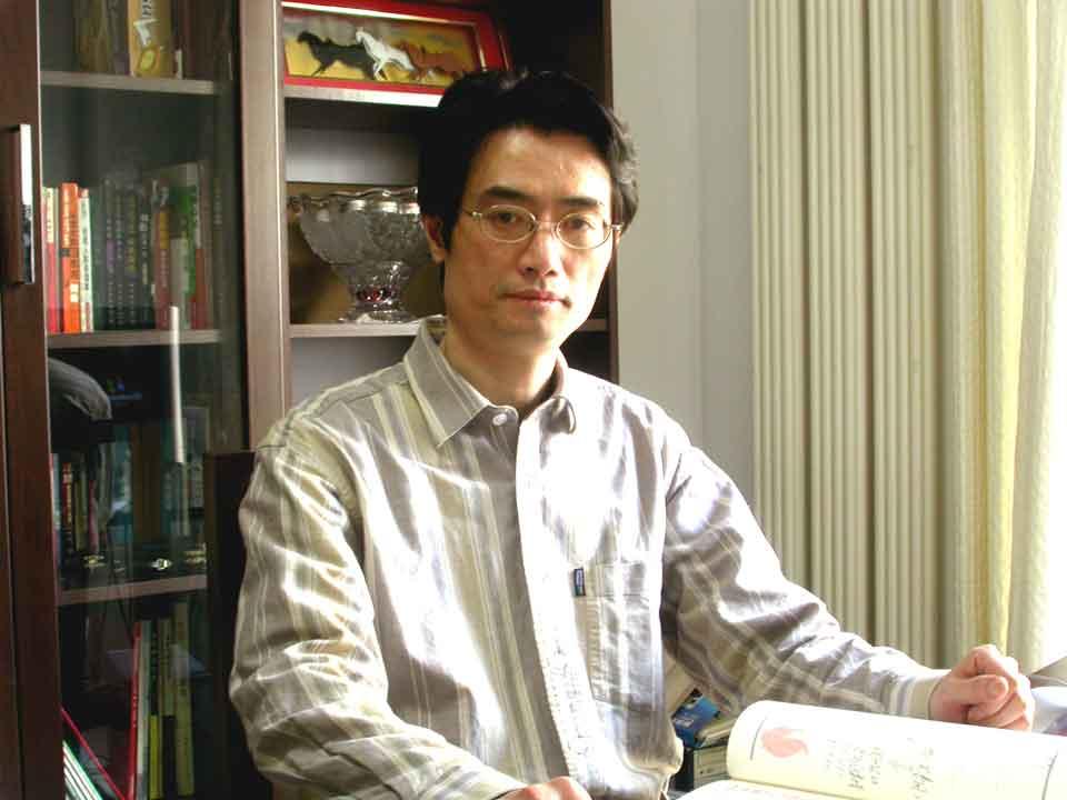 北京师范大学教育学部家庭教育研究中心主任、中国教育学会家庭教育专业委员会常务理事陈建翔