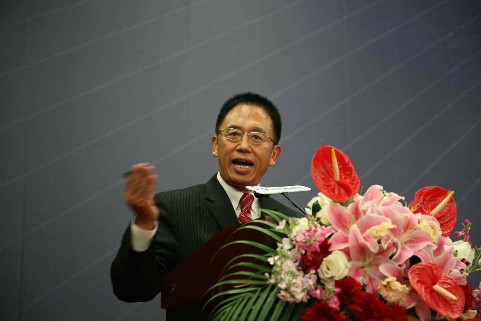 新东方教育科技集团副总裁、北京新东方扬州外国语学校校长王修文