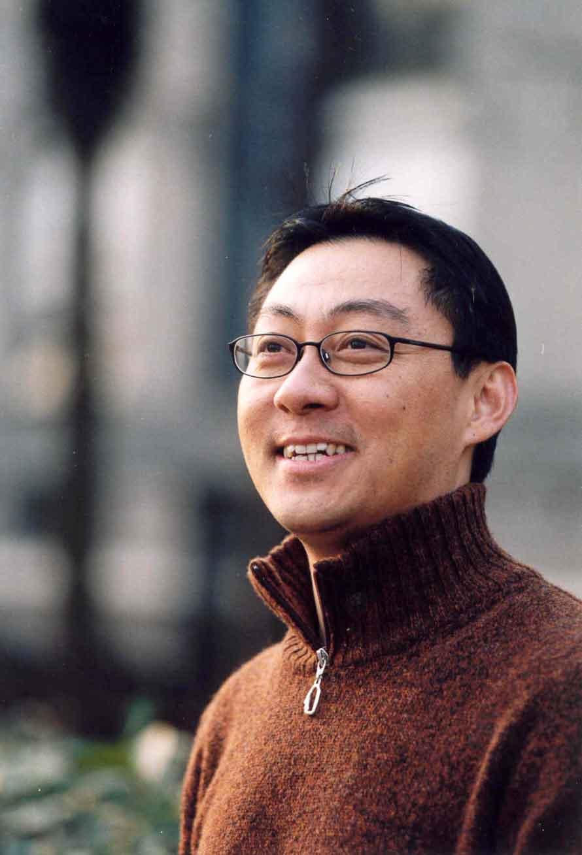 新东方教育科技集团执行董事兼高级副总裁、北京新东方前途出国咨询有限公司总裁周成刚。
