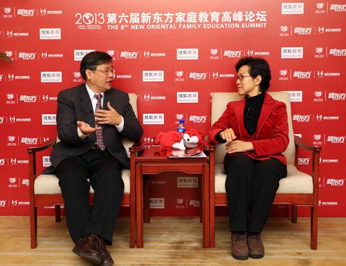 台湾彩虹美语杂志执行长、台湾彩虹儿童生命教育学会会长陈进隆