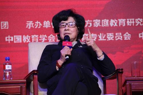 中国社会科学院研究员、中国性学会青少年性教育专业委员会主人陈一筠