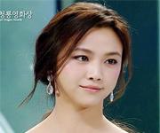 气质美女汤唯韩国颁奖典礼的英语演讲