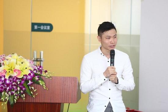 一等奖获得者潘俊宇老师现场展示自己的提案