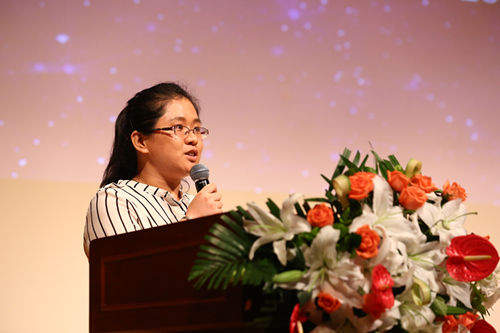 www.ju111.net集团总公司优秀员工代表赵丽花老师发言