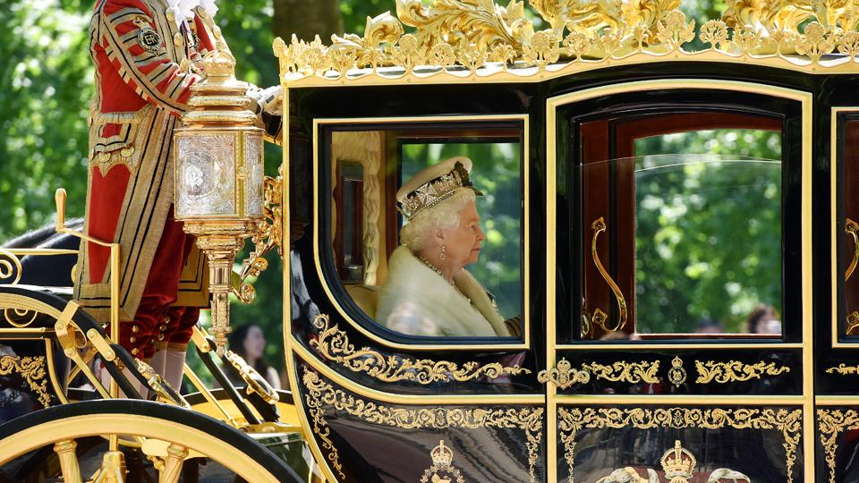 Record-breaking royal 英女王伊丽莎白二世破在位记录