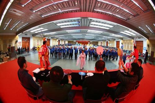 """新东方集团总公司""""奔跑吧·新东方""""——2016年趣味运动年会在北京蟹岛"""