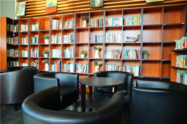 新東方圖書室