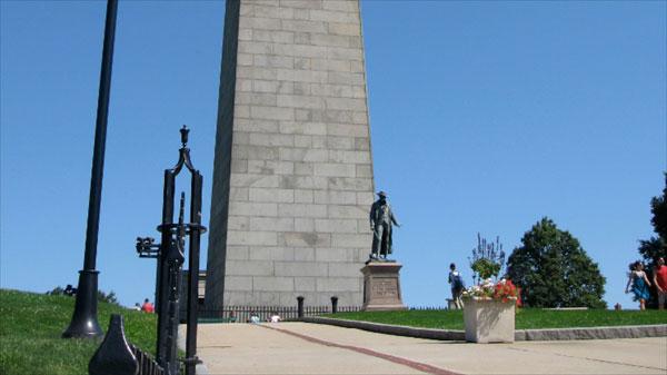 邦克山纪念碑