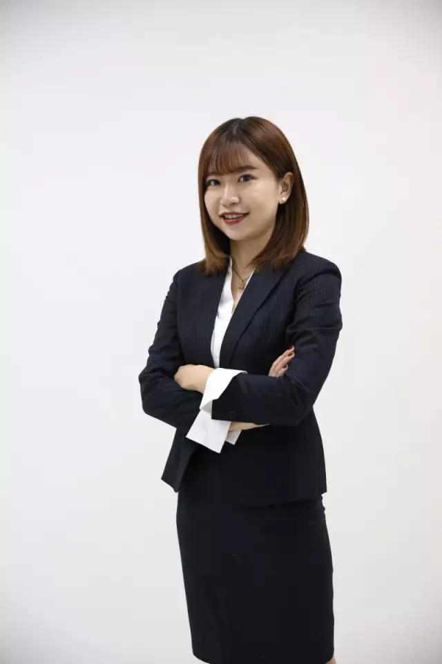 新东方最美学管——余秋兰老师