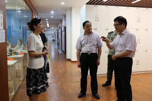 西湖区领导莅临考察新东方杭州学校