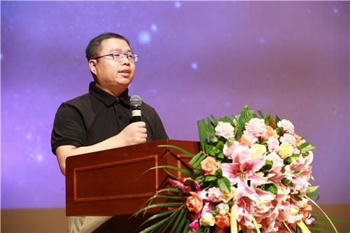杨培才:优秀管理者代表,来自集团信息管理部