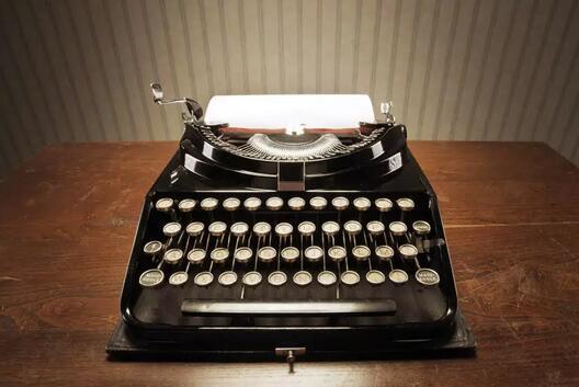 """键盘上的字母为什么不按""""ABCD""""排列?"""