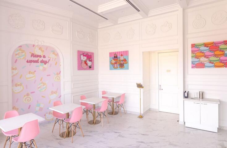 美国开设Hello Kitty主题餐厅 少女感满满!(双语)