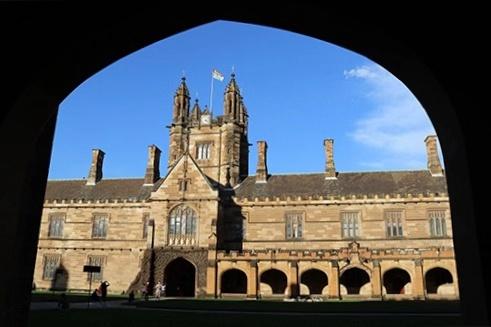 悉尼大学误被当做哈利波特外拍地  游客络绎不绝