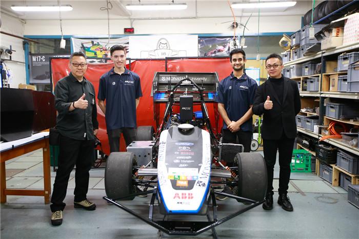 学生做的蒙纳士版的F1赛车