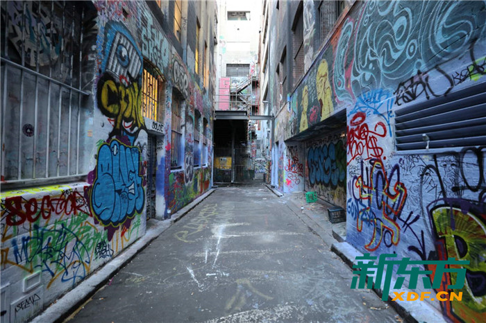 墨尔本的涂鸦墙随处可见