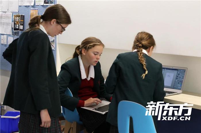 音樂課創作的學生