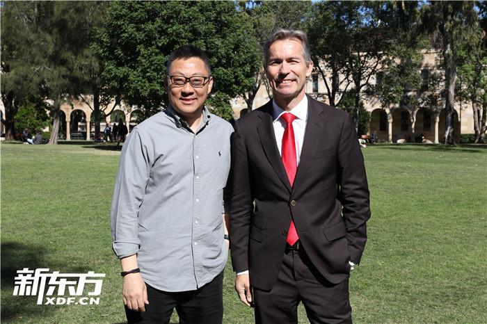 新东方CEO周成刚老师和昆士兰大学校长Peter先生