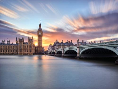 三年两首相 脱欧对英国留学到底何种影响