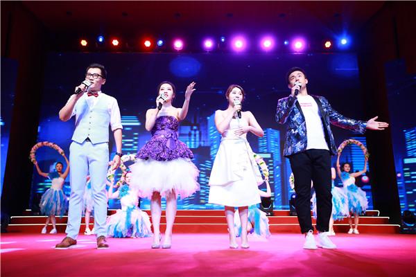 精彩的歌舞表演《我們都是追夢人》,拉開了本次大會的帷幕