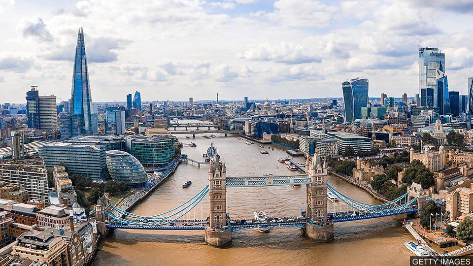 London unlocked 伦敦放宽疫情封锁措施 各大场所重新开放
