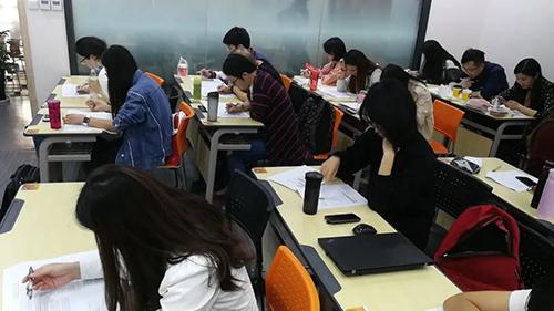 云南新東方高中英語組教研