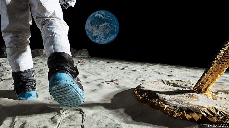 美国国家航空航天局计划送首位女性登月 Plans to land first woman on the Moon 美国国家航空航天局计划送首位女性登月 Plans to land first woman on the Moon